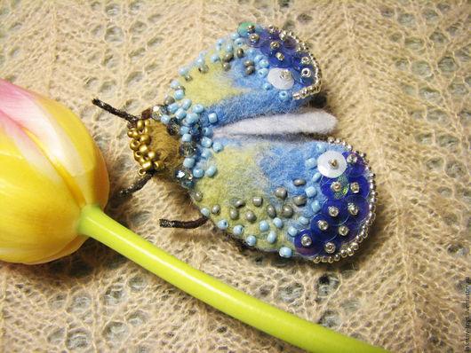 """Броши ручной работы. Ярмарка Мастеров - ручная работа. Купить брошь мотылёк """" Ранняя весна"""". Handmade. Голубой"""
