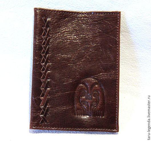 Обложки ручной работы. Ярмарка Мастеров - ручная работа. Купить Обложка для паспорта кожаная тёмно-коричневая. Handmade. Обложка на паспорт