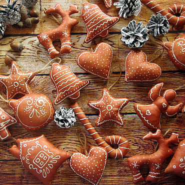 Куклы и игрушки ручной работы. Ярмарка Мастеров - ручная работа Елочные игрушки расписанные краской. Handmade.