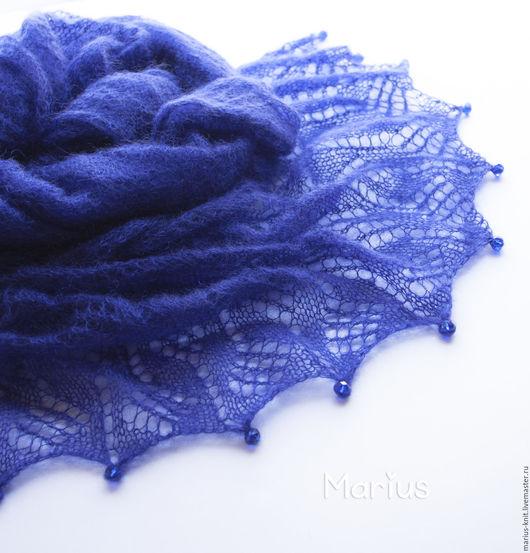 """Шали, палантины ручной работы. Ярмарка Мастеров - ручная работа. Купить Ажурный шарф-палантин """"Глубокое синее море"""" из итальянского кидмохера. Handmade."""