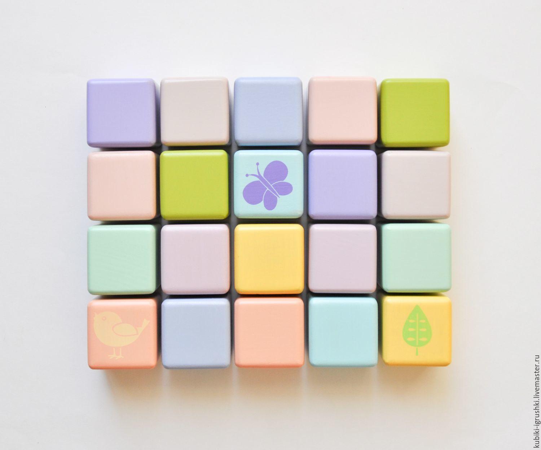 Набор цветных деревянных кубиков