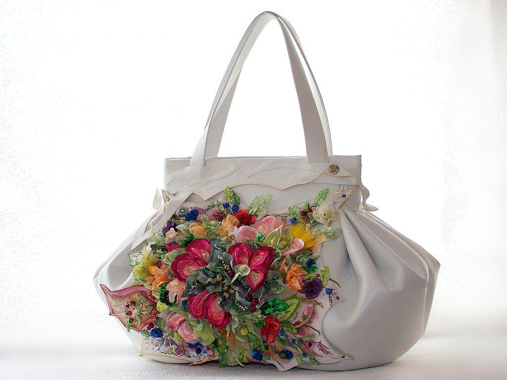 Цветы на сумке