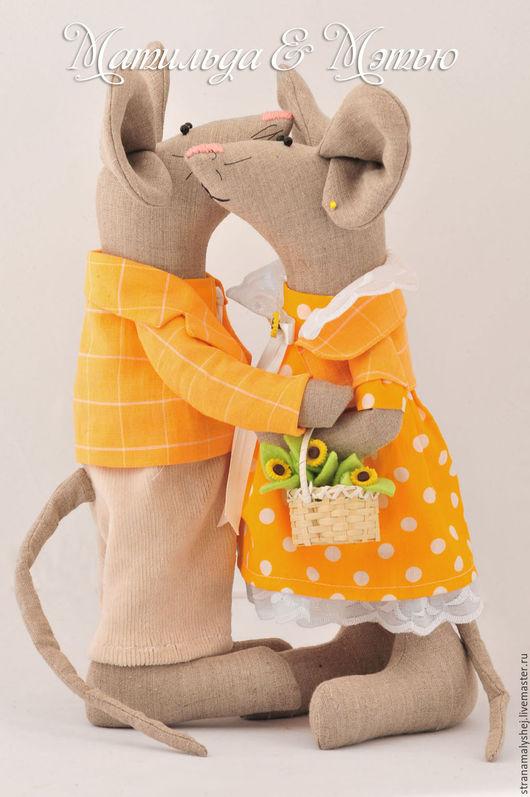 Нежные объятия, интерьерные мыши, крысы, Ярмарка мастеров, Страна малышей, игрушки мыши, пара мышей.