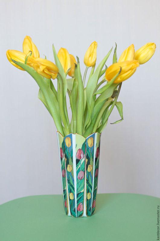 """Вазы ручной работы. Ярмарка Мастеров - ручная работа. Купить Ваза фарфоровая """"Тюльпаны"""". Handmade. Зеленый, ваза купить, интерьер"""