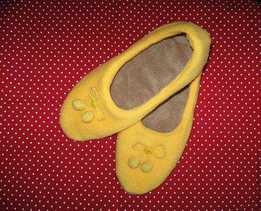 Обувь ручной работы. Ярмарка Мастеров - ручная работа. Купить Мягкие теплые тапочки из флиса. Handmade. Авторские тапочки