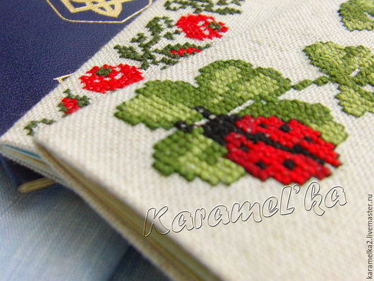 Обложка на паспорт (ручная вышивка). KarameL`ka2. Ярмарка мастеров.