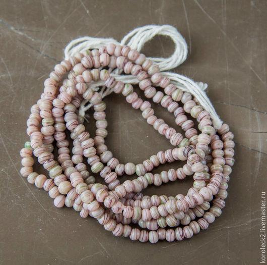 Для украшений ручной работы. Ярмарка Мастеров - ручная работа. Купить Мелкие пепельно-розовые со штрихами стеклянные бусинки-шарики 3-4 мм. Handmade.