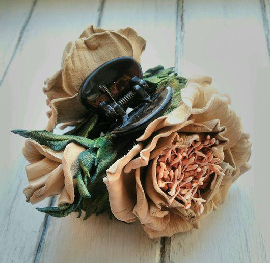 """Заколки ручной работы. Ярмарка Мастеров - ручная работа. Купить Заколка-краб из кожи. Кожаная заколка-краб. """"Букет роз"""".. Handmade."""