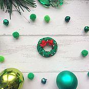 """Украшения ручной работы. Ярмарка Мастеров - ручная работа Брошка """"Рождественский венок"""". Handmade."""