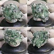 Друзы Кристаллов горного хрусталя с зеленым Фантом