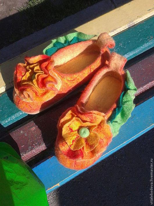 """Обувь ручной работы. Ярмарка Мастеров - ручная работа. Купить Тапочки валяные """"О лете"""". Handmade. Оранжевый"""