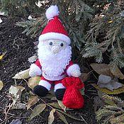 Куклы и игрушки ручной работы. Ярмарка Мастеров - ручная работа Дед Мороз в красном (вязаная игрушка). Handmade.