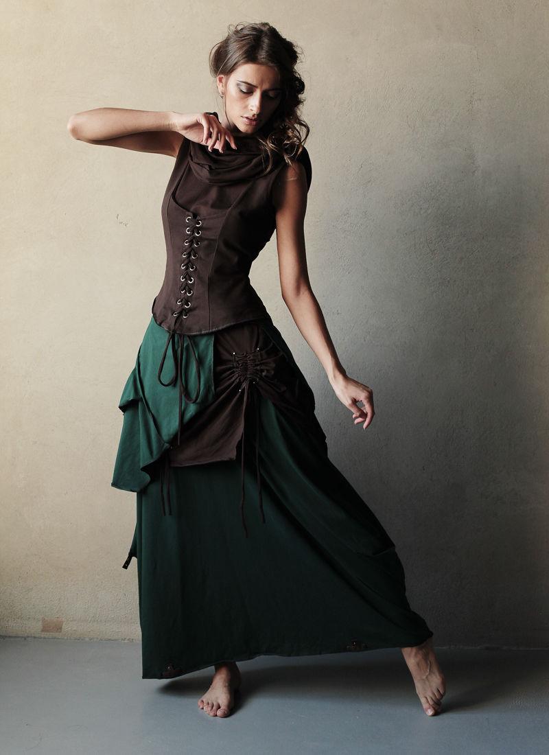 Каждый из элементов сэта можно приобрести по отдельности: Платье `Бабочка` - 6000 руб Корсаж с баской - 5800 руб Просто корсаж - 4100 руб Платье-трансформер в пол - 6900 руб