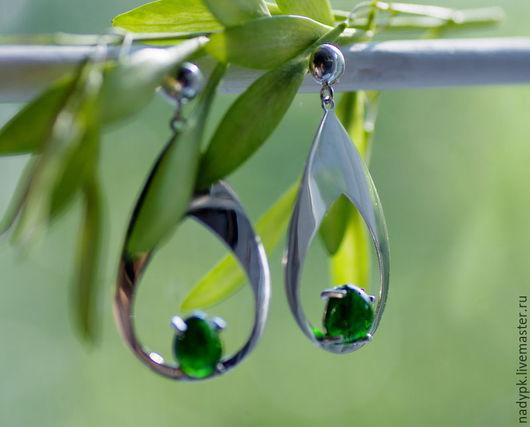 """Серьги ручной работы. Ярмарка Мастеров - ручная работа. Купить Серьги с хромдиопсидом """"Яркое лето"""", серебро. Handmade. Зеленый"""
