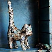 Для дома и интерьера ручной работы. Ярмарка Мастеров - ручная работа Статуэтка Кошечка в порхающих бабочках (папье маше, декопатч). Handmade.