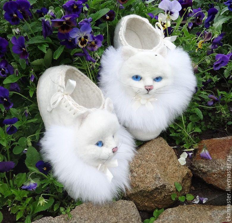 Home Slippers felted 'White kittens', Slippers, Ekaterinburg,  Фото №1