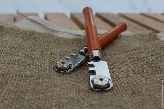 Другие виды рукоделия ручной работы. Ярмарка Мастеров - ручная работа. Купить Стеклорез 6-роликовый с деревянной ручкой. Handmade.