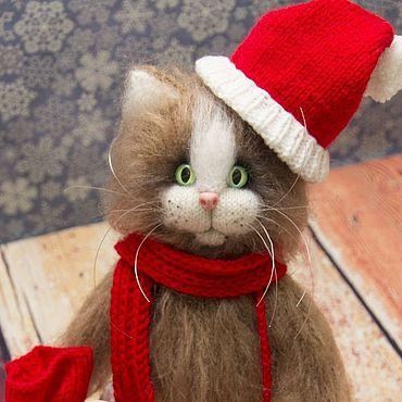 Куклы и игрушки ручной работы. Ярмарка Мастеров - ручная работа Новогодний котик. Вязаная интерьерная игрушка. Handmade.