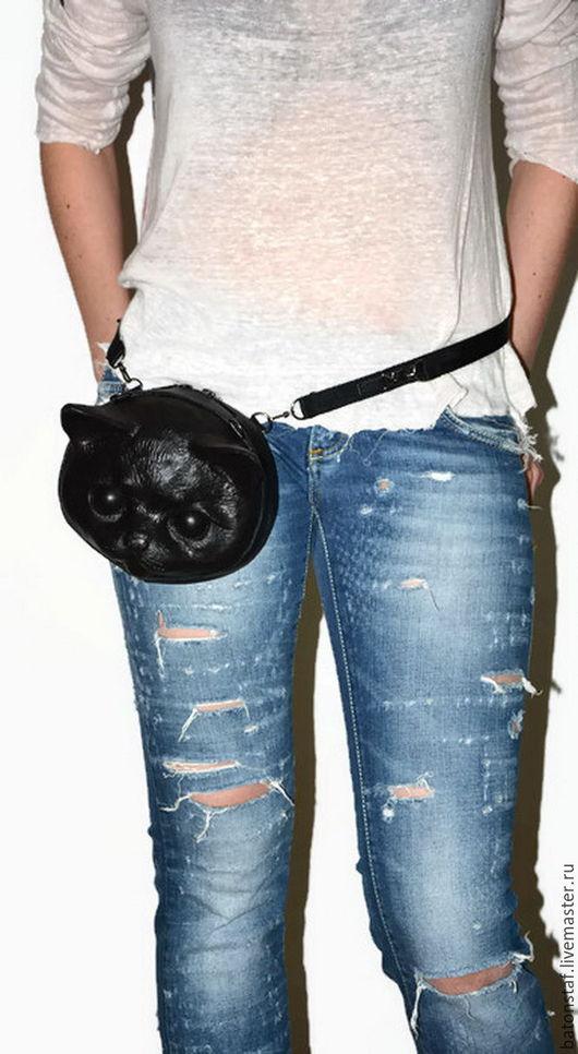 """Женские сумки ручной работы. Ярмарка Мастеров - ручная работа. Купить Сумка кошка - трансформер - """"Чёрный кот"""". Набедренная сумка.. Handmade."""