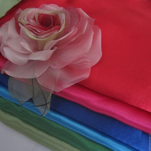 Ткани, лоскуты, обрезы. Крепсатин, вуалевые ткани и плотные ткани с люрексом