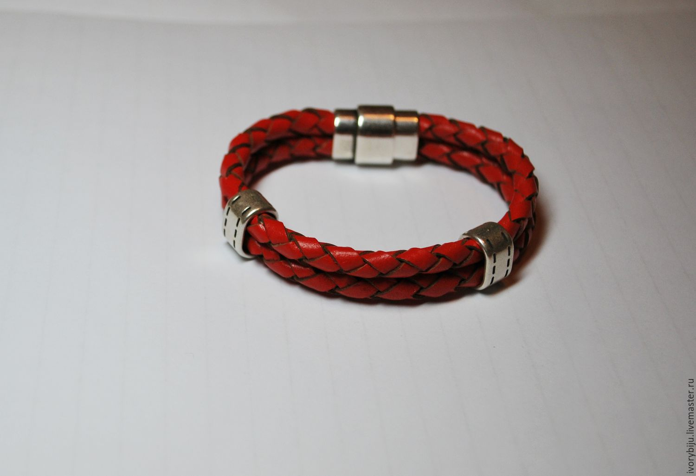 Мужской браслет из шнурков