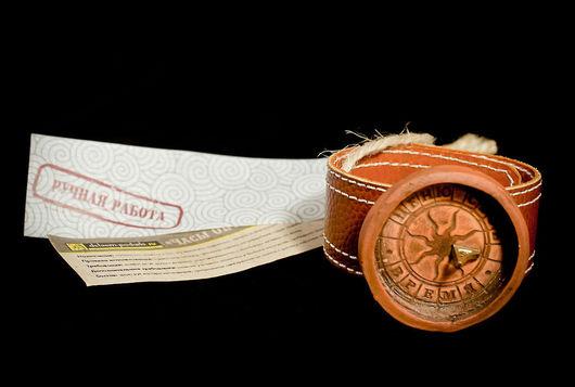 Латунный гномон, керамический циферблат, натуральный кожаный браслет с застежками-кнопками- все ингредиенты соединить в нужных пропорциях, добавить тепла авторских рук и вуаля- Часы Оптимиста готовы!