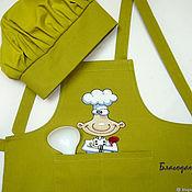 Фартуки ручной работы. Ярмарка Мастеров - ручная работа Фартук и поварской колпак детский с вышивкой. Handmade.