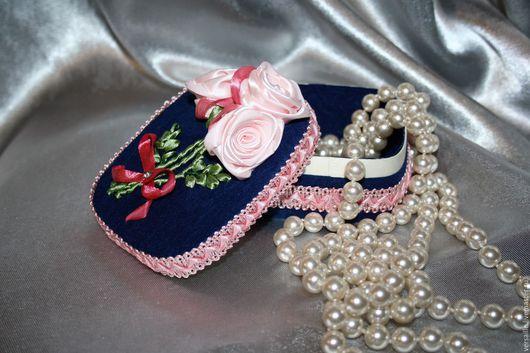 Шкатулка, цветы из лент, вышитая шкатулка, шкатулка с цветами, украшение из цветов, шкатулка для мелочей, шкатулка для бижутерии, шкатулка для украшений