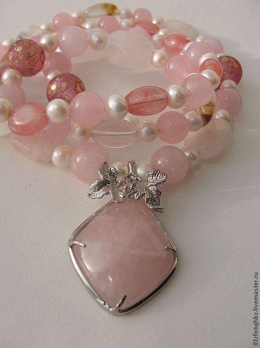 """Колье, бусы ручной работы. Ярмарка Мастеров - ручная работа. Купить """"Розовый цвет"""" бусы из розового кварца и жемчуга. Handmade."""