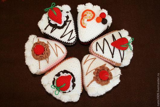 Еда ручной работы. Ярмарка Мастеров - ручная работа. Купить Вязаный тортик. Handmade. Белый, оригинальный подарок, подарок для девочки