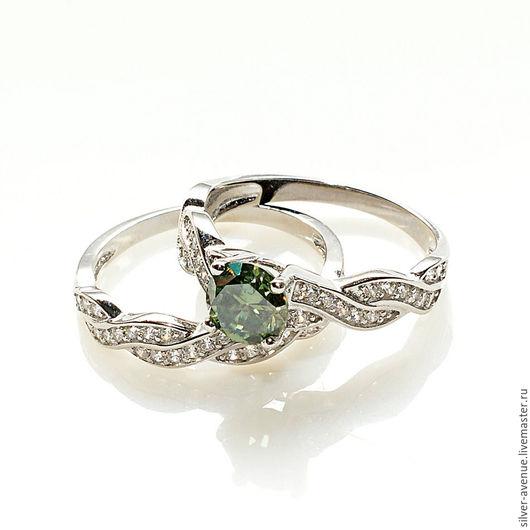 Двойное кольцо с зеленым муассанитом  и сапфирами, серебро 925