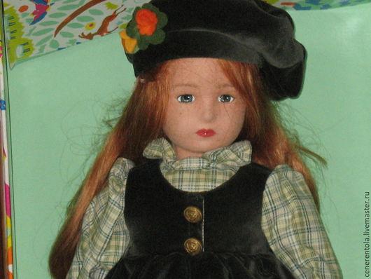 Винтажные куклы и игрушки. Ярмарка Мастеров - ручная работа. Купить винтажная кукла Ленчи в бархатном зеленом сарафане. Handmade.
