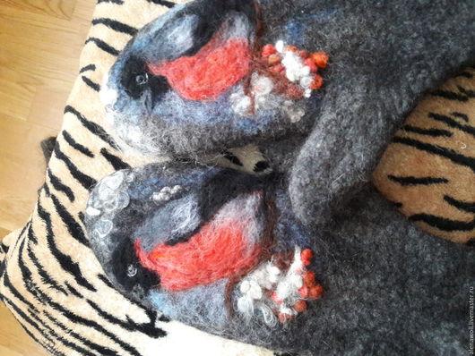 """Платья ручной работы. Ярмарка Мастеров - ручная работа. Купить Варежки валяные из шерсти и пуха альпаки женские """"Снегири"""". Handmade."""