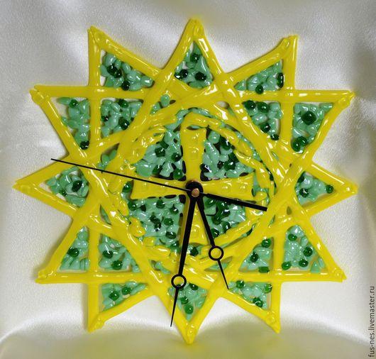 """Часы для дома ручной работы. Ярмарка Мастеров - ручная работа. Купить Часы """"Звезда Эрцгаммы"""" Фьюзинг. Handmade. Желтый"""