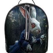 Рюкзак женский кожаный с ручной росписью из кожи Алиса в стране чудес