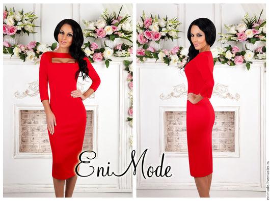 Платья ручной работы. Ярмарка Мастеров - ручная работа. Купить Элегантное красное платье-футляр с эффектным вырезом на груди. Handmade.