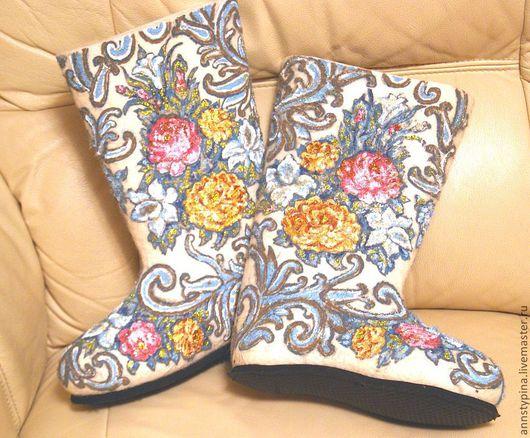 Обувь ручной работы. Ярмарка Мастеров - ручная работа. Купить цветочный орнамент. Handmade. Валенки, обувь для улицы, войлок, зима