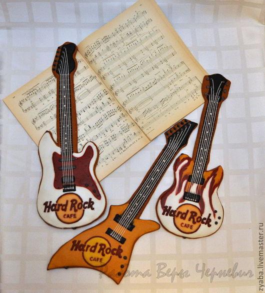 Кулинарные сувениры ручной работы. Ярмарка Мастеров - ручная работа. Купить Большие пряничные гитары (40 см). Handmade. Бордовый