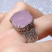 Кольцо с розовым кварцем