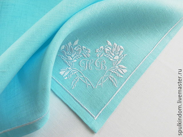 Wedding napkins with embroidery in the style of Tiffany `Heart of roses`. ` Sulkin house` embroidery workshop