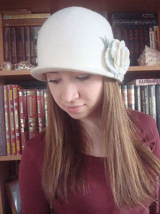 """Шляпы ручной работы. Ярмарка Мастеров - ручная работа. Купить Шляпка """"СНежность"""". Handmade. Белый, белая брошь"""