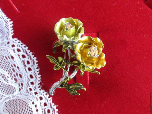 Винтажные украшения. Ярмарка Мастеров - ручная работа. Купить Винтажная брошь в виде желтых роз. Handmade. Желтый, роза