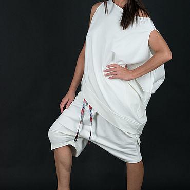 Одежда ручной работы. Ярмарка Мастеров - ручная работа Спортивный костюм из белого хлопка, кофта с шортами- SE0782W2. Handmade.