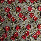 """Вышивка на сетке """"Красные цветы"""""""