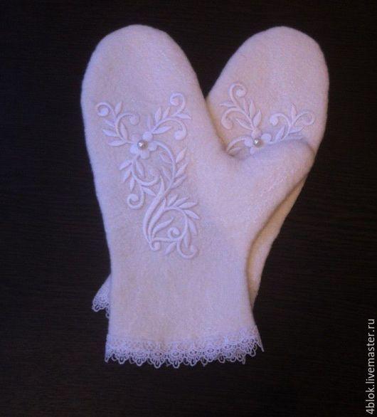 Свадебные рукавички `Зимний узор`