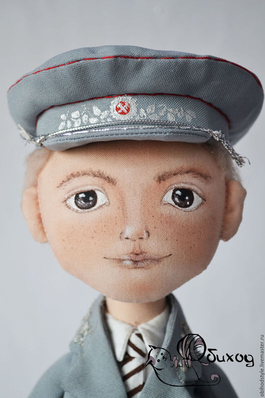 Коллекционные куклы ручной работы. Ярмарка Мастеров - ручная работа. Купить Текстильная кукла Железнодорожник. Handmade. Бежевый, ручная работа