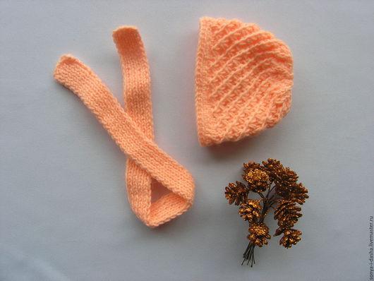 Одежда для кукол ручной работы. Ярмарка Мастеров - ручная работа. Купить Шапочка и шарфик для куклы вязанные. Handmade. Комбинированный, спицами