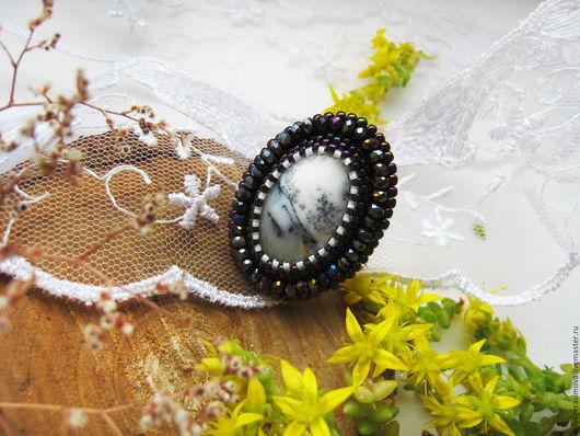 Кольца ручной работы. Ярмарка Мастеров - ручная работа. Купить Кольцо вышитое  с опалом «Зимний пейзаж». Handmade. Чёрно-белый