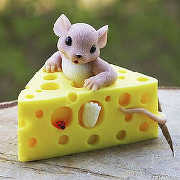 """Косметика ручной работы. Ярмарка Мастеров - ручная работа Мыло ручной работы """"Мышка в сыре"""". Handmade."""