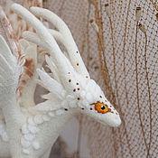 Куклы и игрушки ручной работы. Ярмарка Мастеров - ручная работа Белая степная лань Аха, валяная драконица. Handmade.